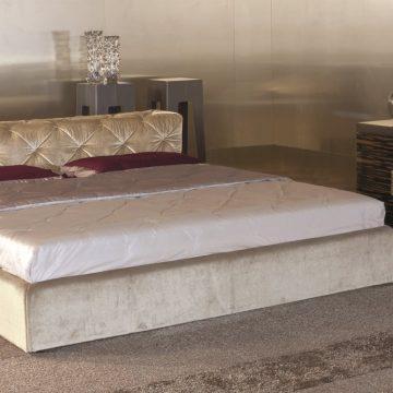 кровати и спальные принадлежности Must